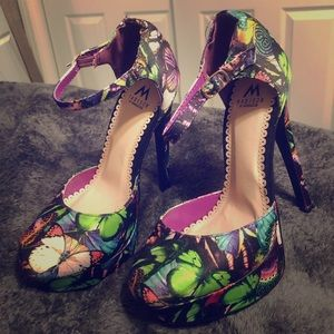 Madison by Shoedazzle Butterfly Pumps